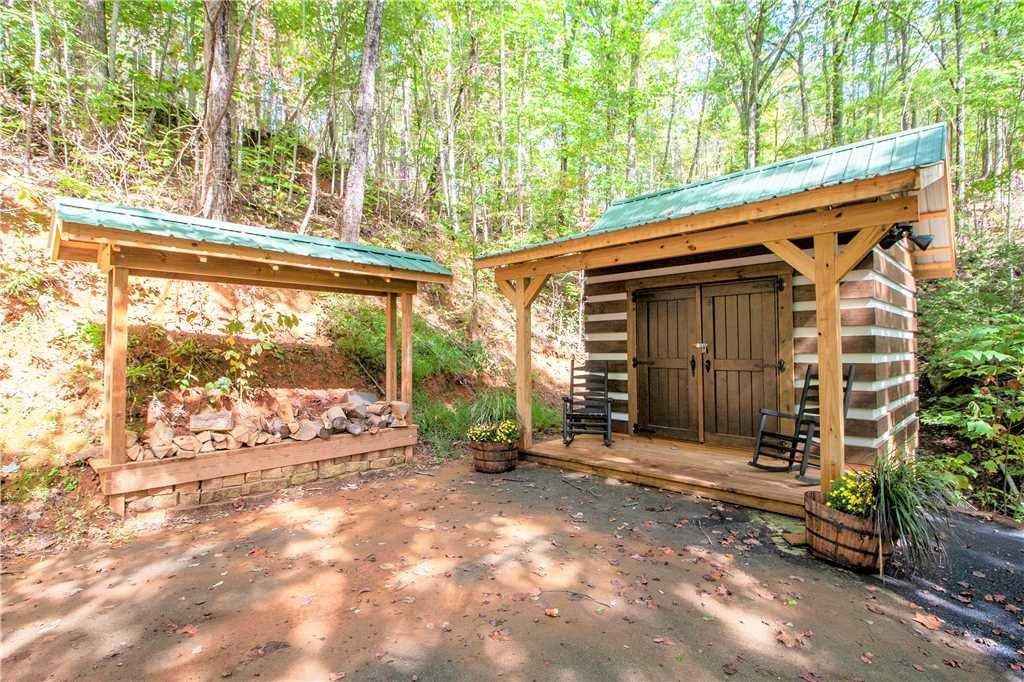Photo of a Gatlinburg Cabin named Blessed Beyond Measure - This is the twenty-seventh photo in the set.