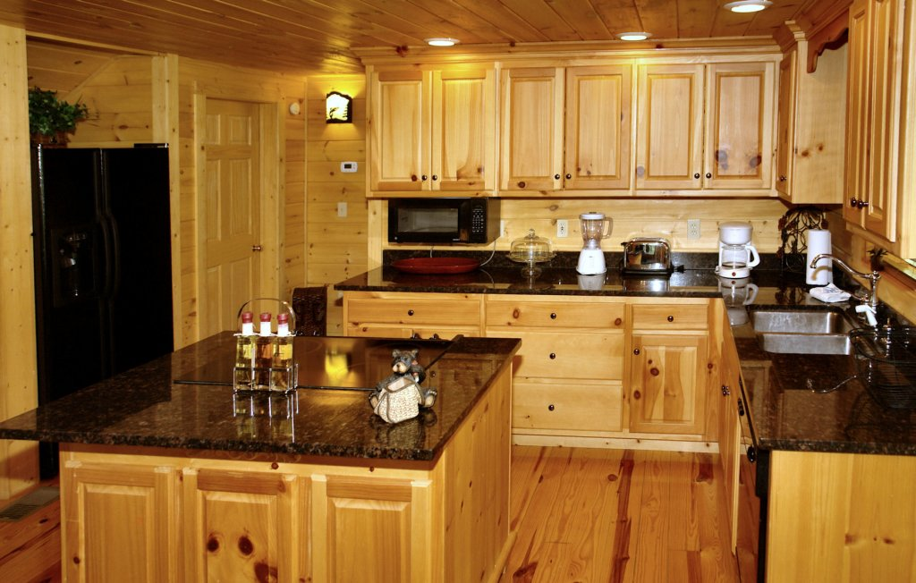 Photo of a Pigeon Forge Cabin named Trout House #350 - This is the fifty-third photo in the set.