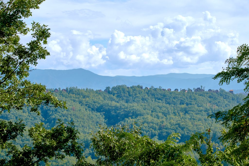 Photo of a Pigeon Forge Cabin named A View For All Seasons #405 - This is the thirtieth photo in the set.