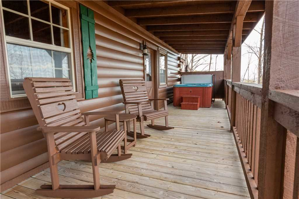 Photo of a Gatlinburg Cabin named Beyond Paradise - This is the seventeenth photo in the set.