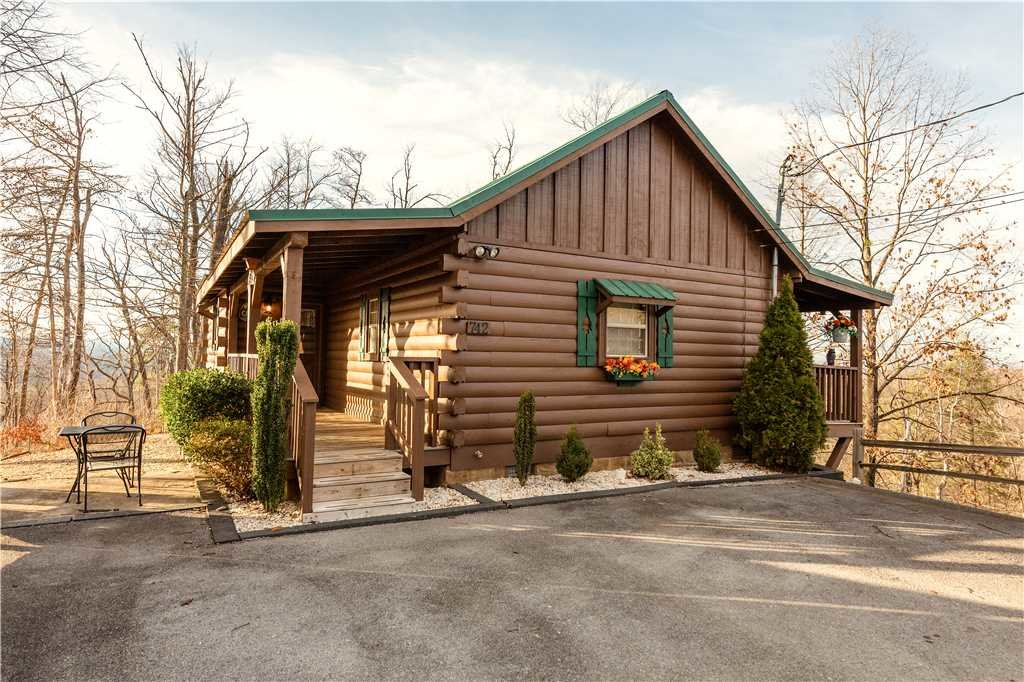 Photo of a Gatlinburg Cabin named Beyond Paradise - This is the twentieth photo in the set.