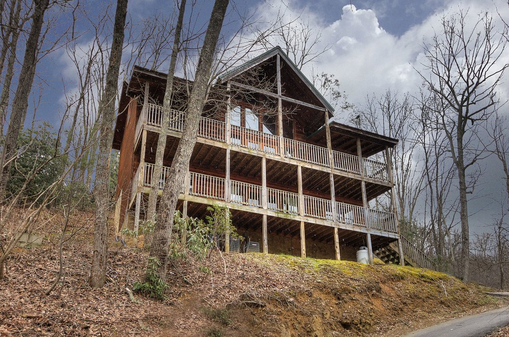 Photo of a Gatlinburg Cabin named Above It All  #446 - This is the thirty-eighth photo in the set.