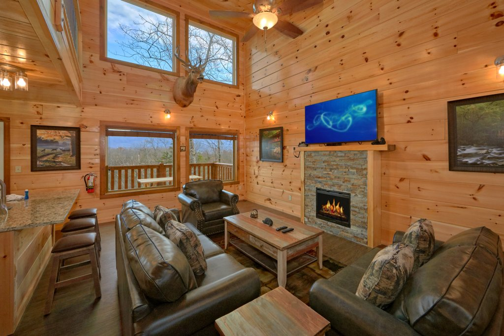 Photo of a Gatlinburg Cabin named Legends Pool Lodge - This is the sixteenth photo in the set.