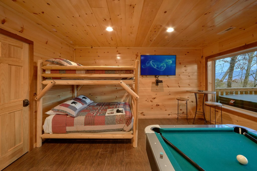 Photo of a Gatlinburg Cabin named Legends Pool Lodge - This is the fourteenth photo in the set.