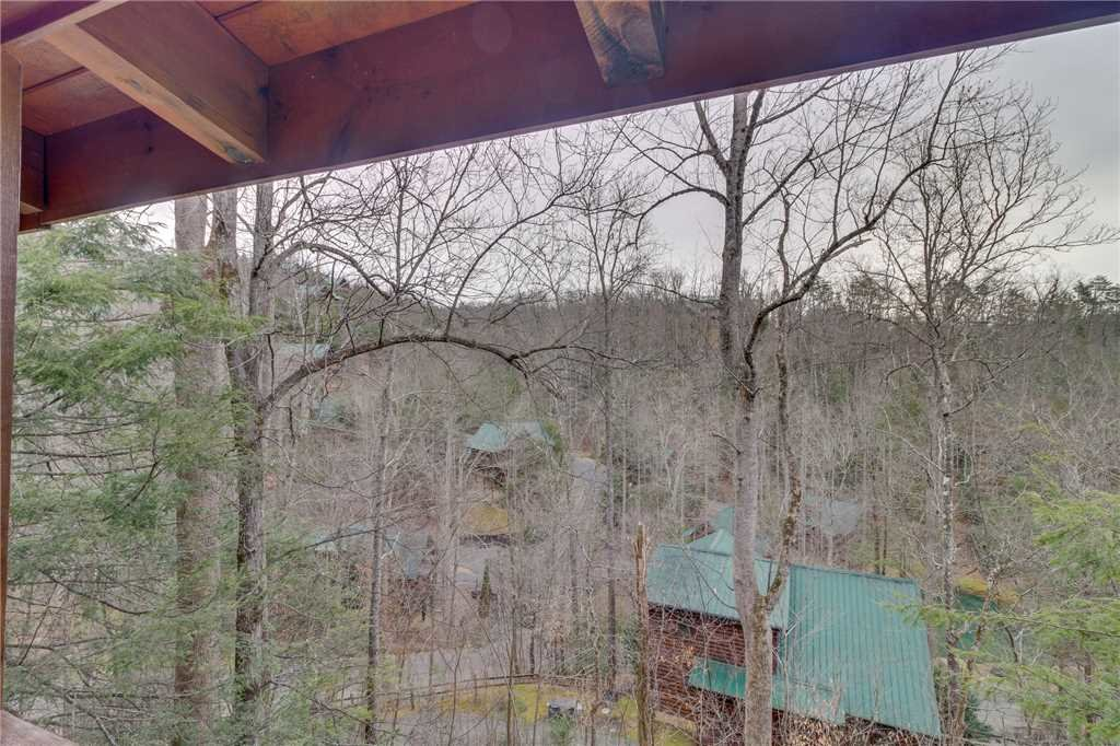 Photo of a Gatlinburg Cabin named The Bear Essentials - This is the twenty-eighth photo in the set.