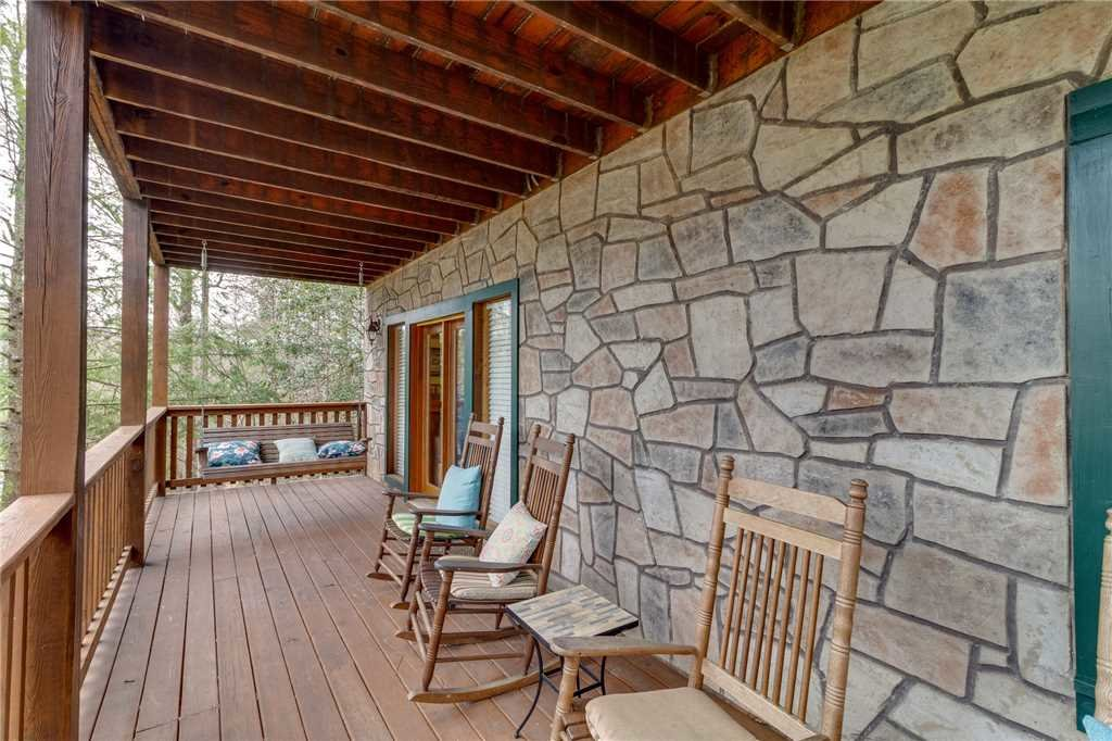 Photo of a Gatlinburg Cabin named The Bear Essentials - This is the forty-second photo in the set.