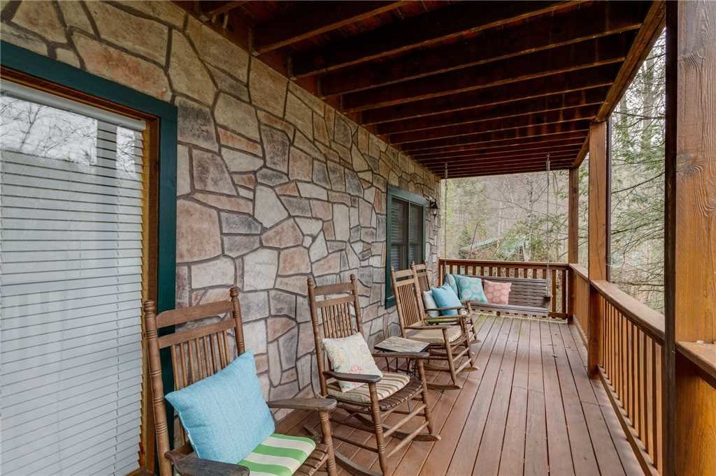 Photo of a Gatlinburg Cabin named The Bear Essentials - This is the forty-first photo in the set.