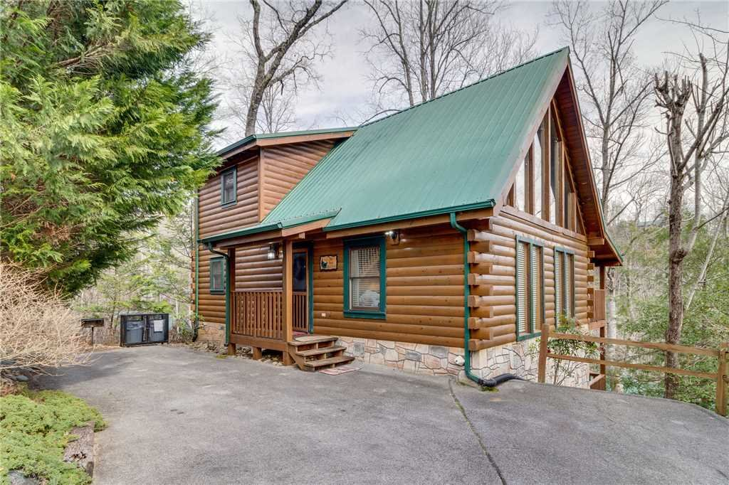 Photo of a Gatlinburg Cabin named The Bear Essentials - This is the forty-ninth photo in the set.