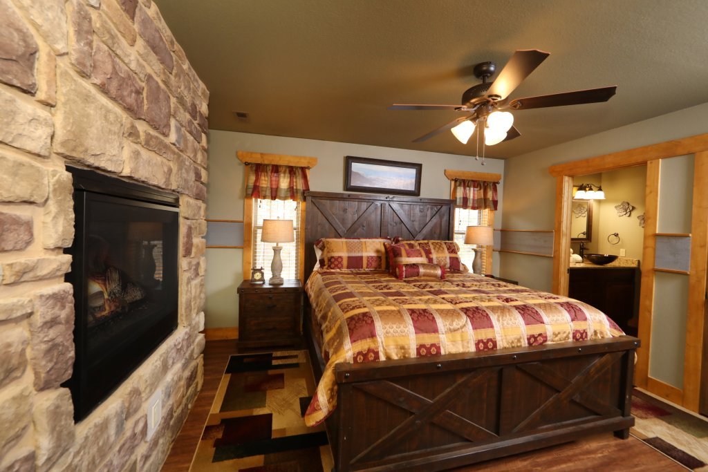 Photo of a Gatlinburg Cabin named Firefly Nights - This is the seventeenth photo in the set.