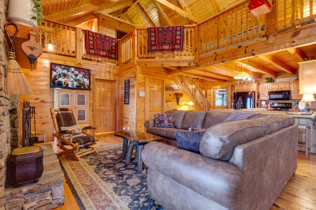Photo of a Sevierville Cabin named Kickin' Back Jack - This is the twenty-first photo in the set.