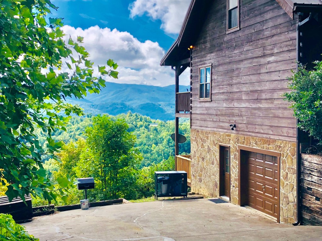 Photo of a Sevierville Cabin named Kickin' Back Jack - This is the eighth photo in the set.
