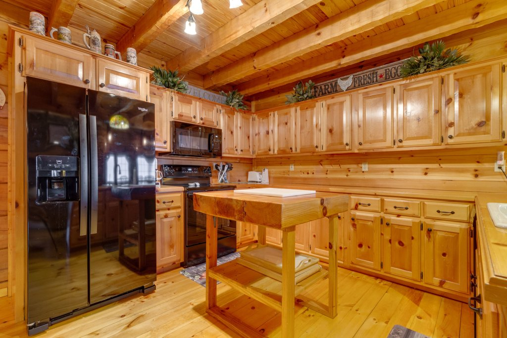 Photo of a Sevierville Cabin named Kickin' Back Jack - This is the nineteenth photo in the set.