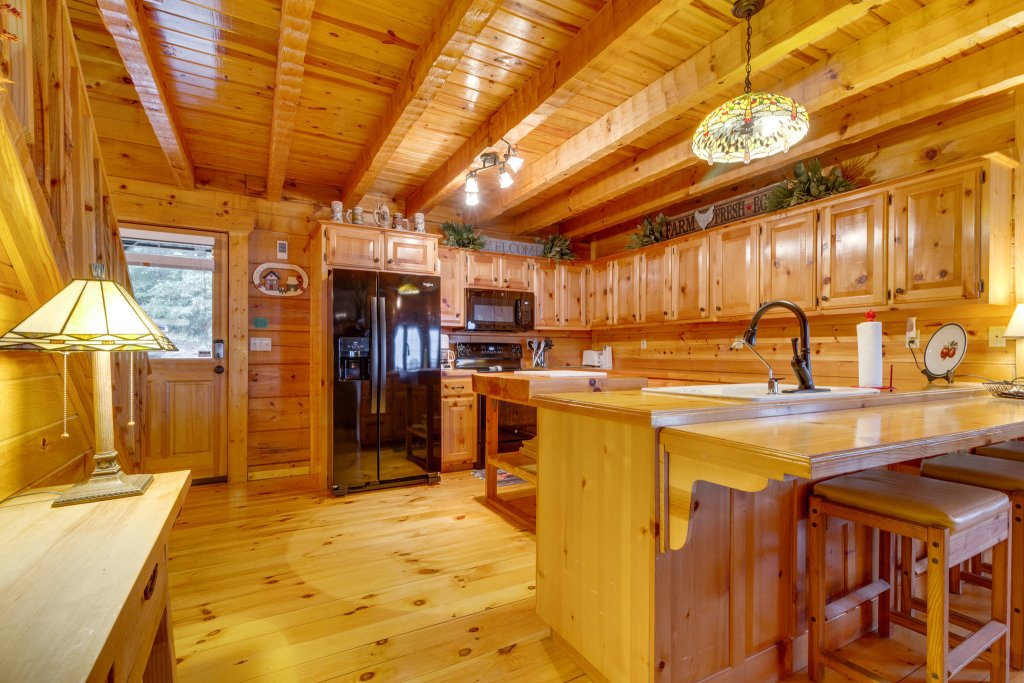 Photo of a Sevierville Cabin named Kickin' Back Jack - This is the twentieth photo in the set.