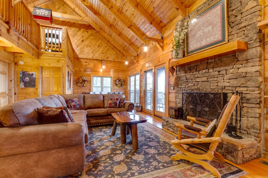 Photo of a Sevierville Cabin named Kickin' Back Jack - This is the twenty-second photo in the set.