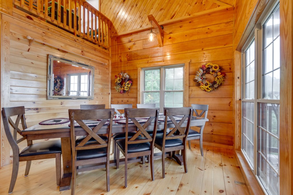Photo of a Sevierville Cabin named Kickin' Back Jack - This is the twenty-third photo in the set.