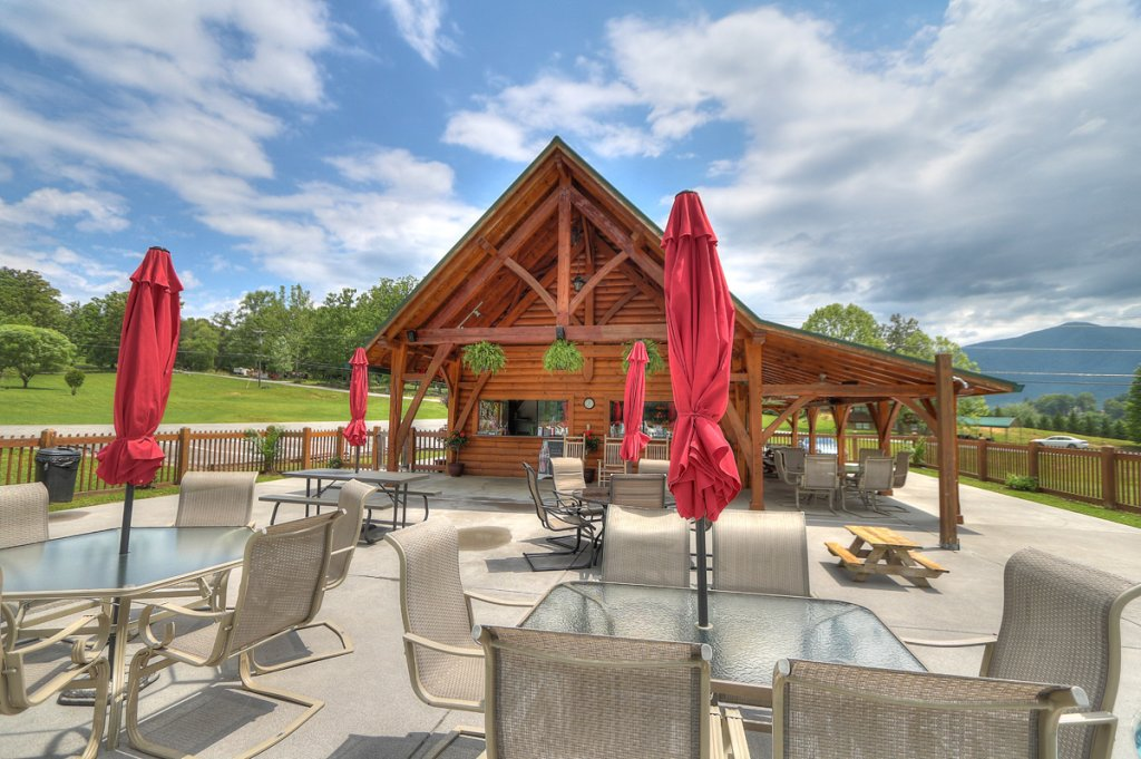 Photo of a Sevierville Cabin named Kickin' Back Jack - This is the fifty-second photo in the set.