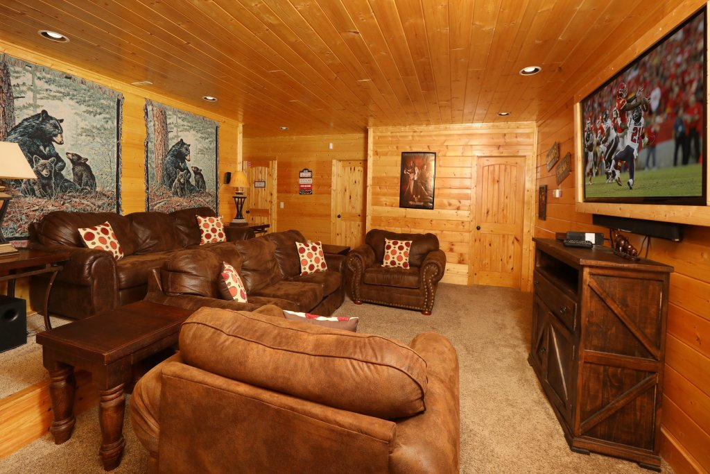 Photo of a Sevierville Cabin named Ridgetop Theatre Lodge - This is the fortieth photo in the set.