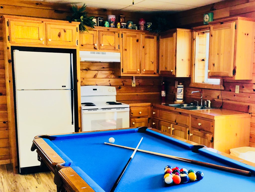 Photo of a Sevierville Cabin named Kickin' Back Jack - This is the forty-sixth photo in the set.