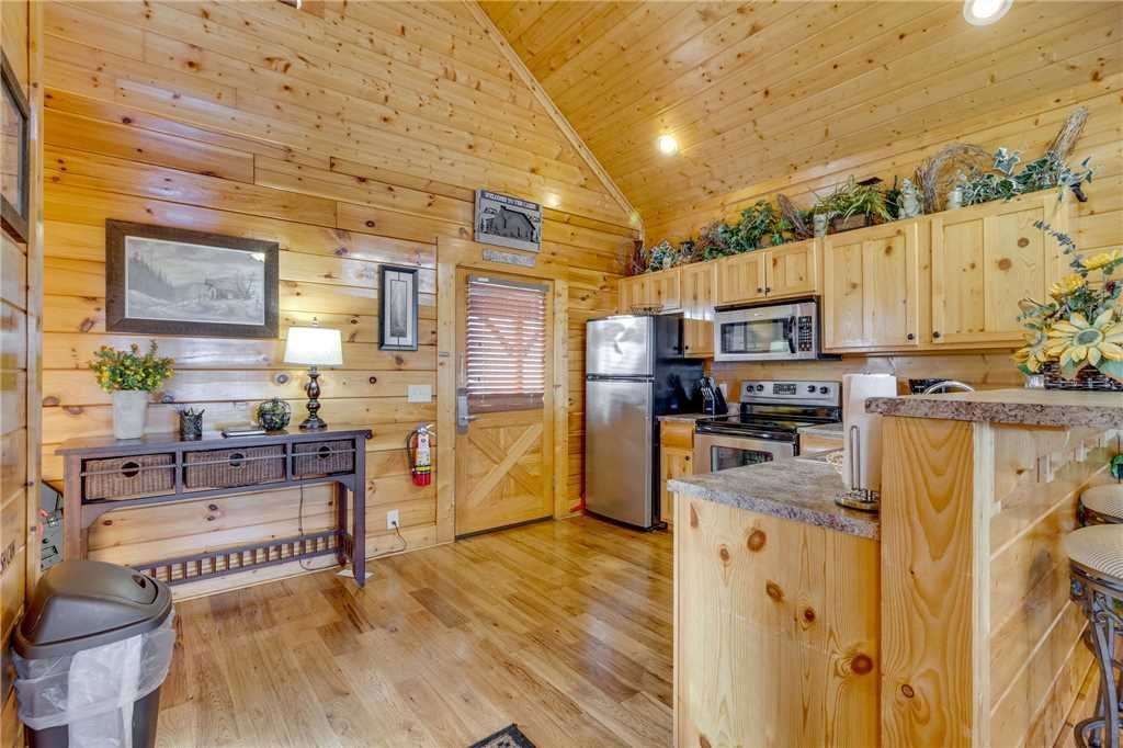 Photo of a Sevierville Cabin named Mountain Mist - This is the twelfth photo in the set.