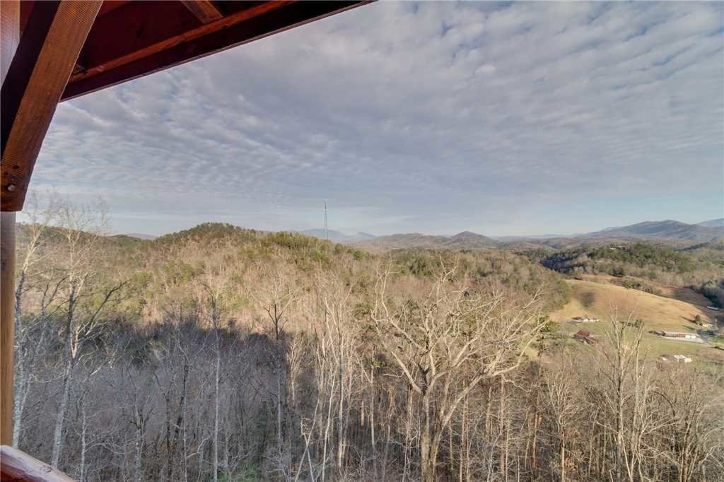 Photo of a Sevierville Cabin named Mountain Mist - This is the seventeenth photo in the set.
