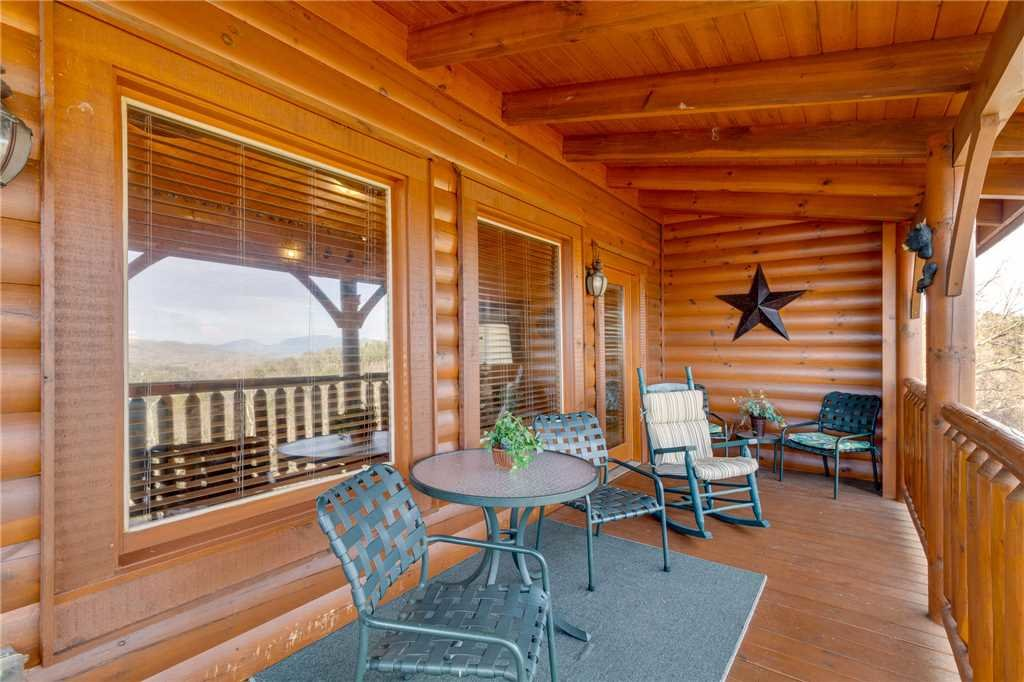 Photo of a Sevierville Cabin named Mountain Mist - This is the fifteenth photo in the set.