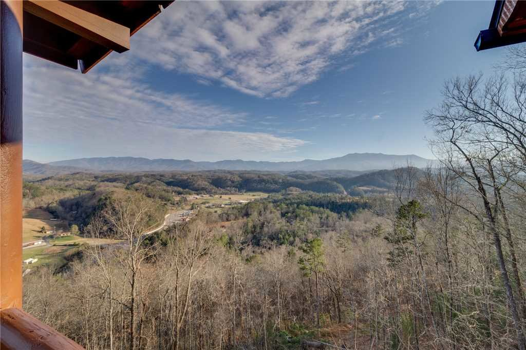 Photo of a Sevierville Cabin named Mountain Mist - This is the nineteenth photo in the set.