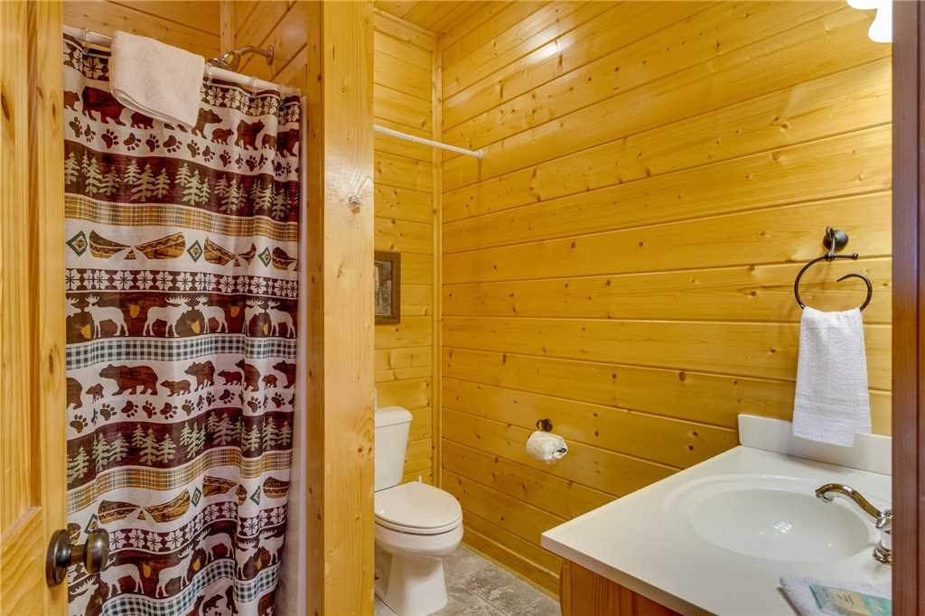 Photo of a Sevierville Cabin named Mountain Mist - This is the twenty-first photo in the set.