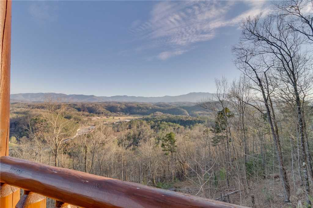 Photo of a Sevierville Cabin named Mountain Mist - This is the thirty-sixth photo in the set.