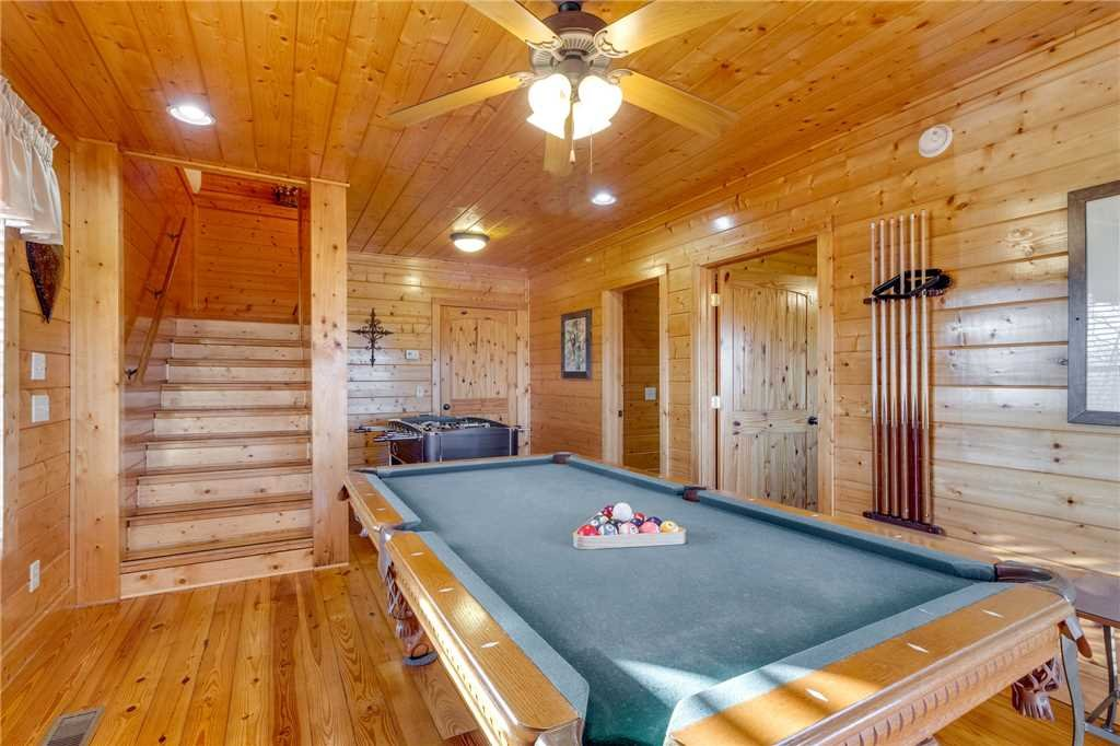 Photo of a Sevierville Cabin named Mountain Mist - This is the twenty-second photo in the set.
