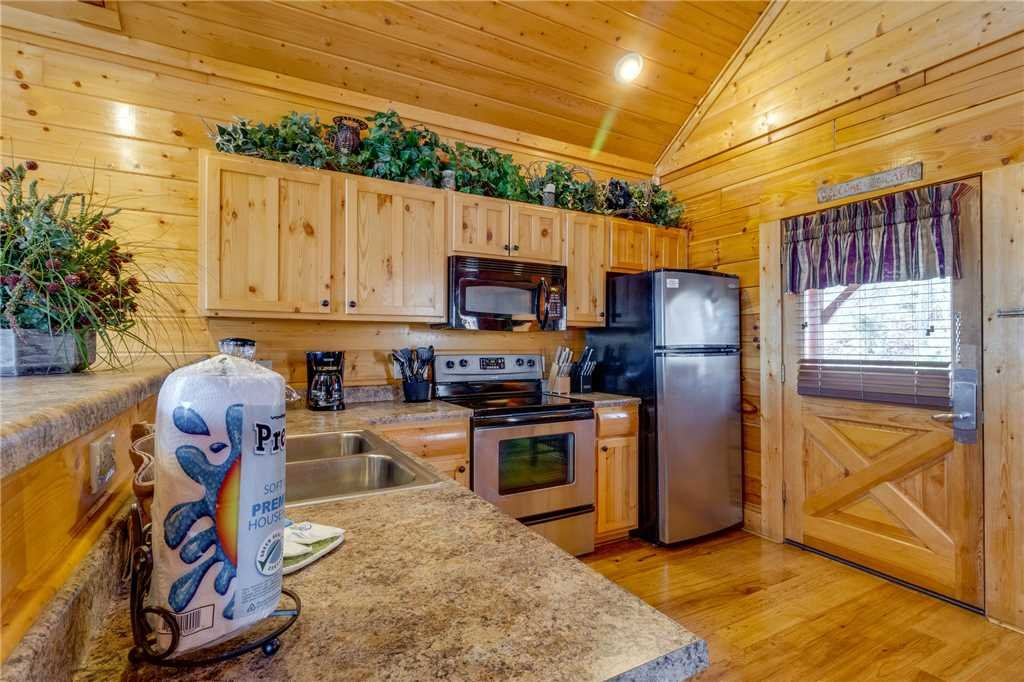 Photo of a Pigeon Forge Cabin named Southern Grace - This is the tenth photo in the set.