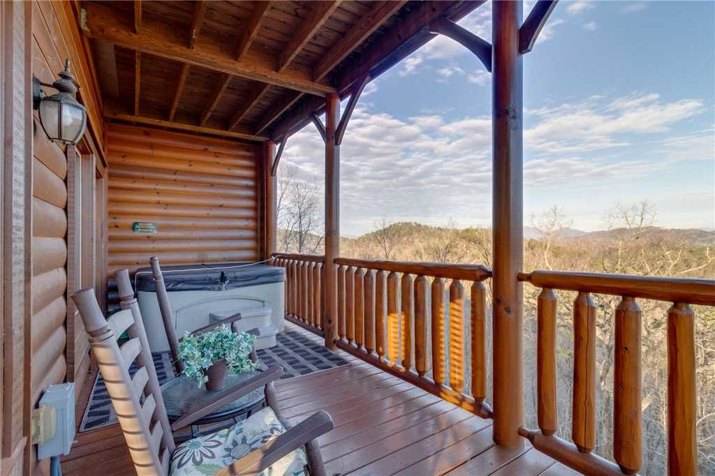 Photo of a Sevierville Cabin named Mountain Mist - This is the thirty-second photo in the set.