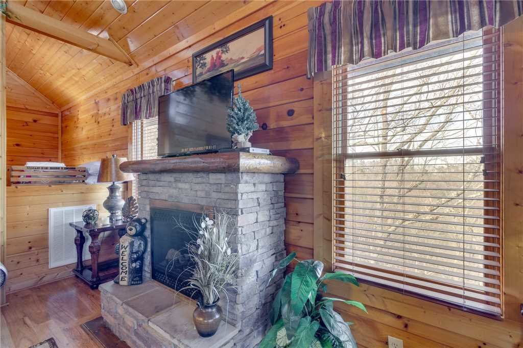 Photo of a Pigeon Forge Cabin named Southern Grace - This is the fourth photo in the set.