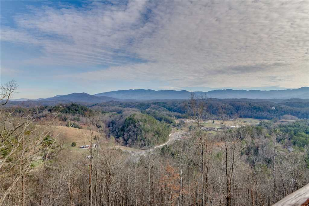 Photo of a Sevierville Cabin named Mountain Mist - This is the forty-first photo in the set.