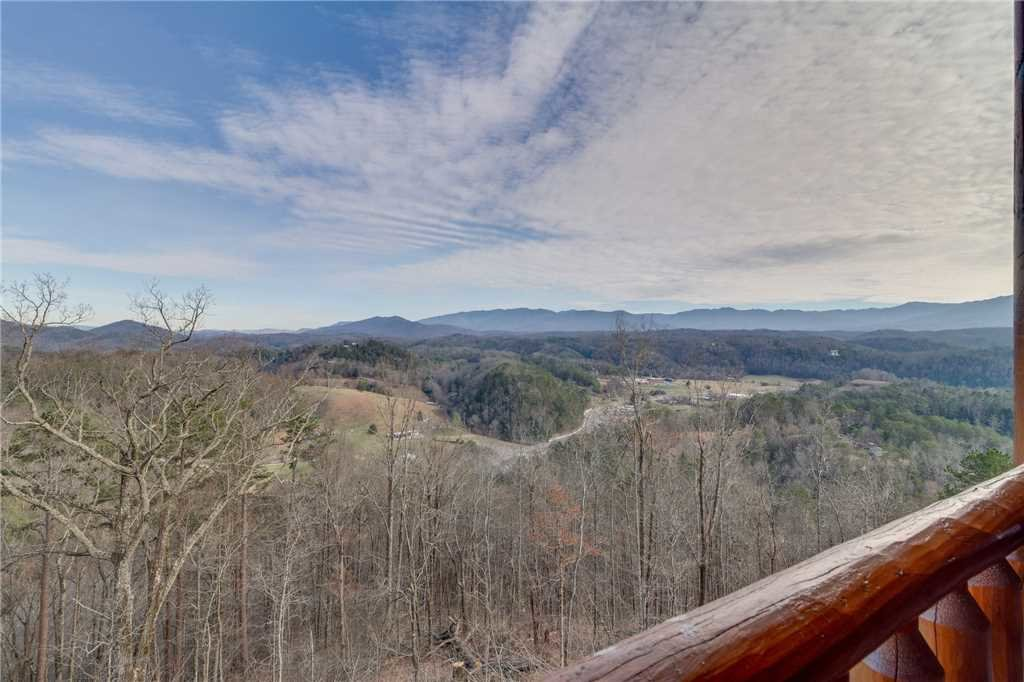Photo of a Sevierville Cabin named Mountain Mist - This is the thirty-eighth photo in the set.