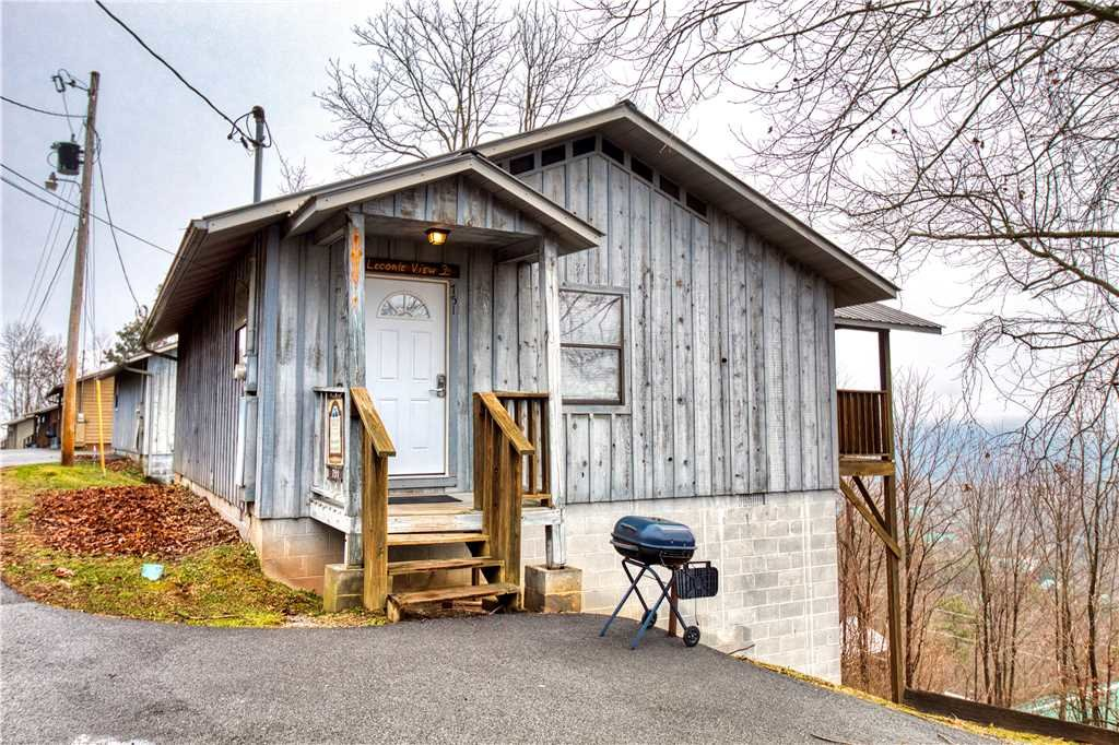 Photo of a Gatlinburg Cabin named Leconte View 2 - This is the twentieth photo in the set.