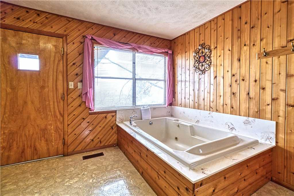 Photo of a Gatlinburg Cabin named Leconte View 2 - This is the fourth photo in the set.