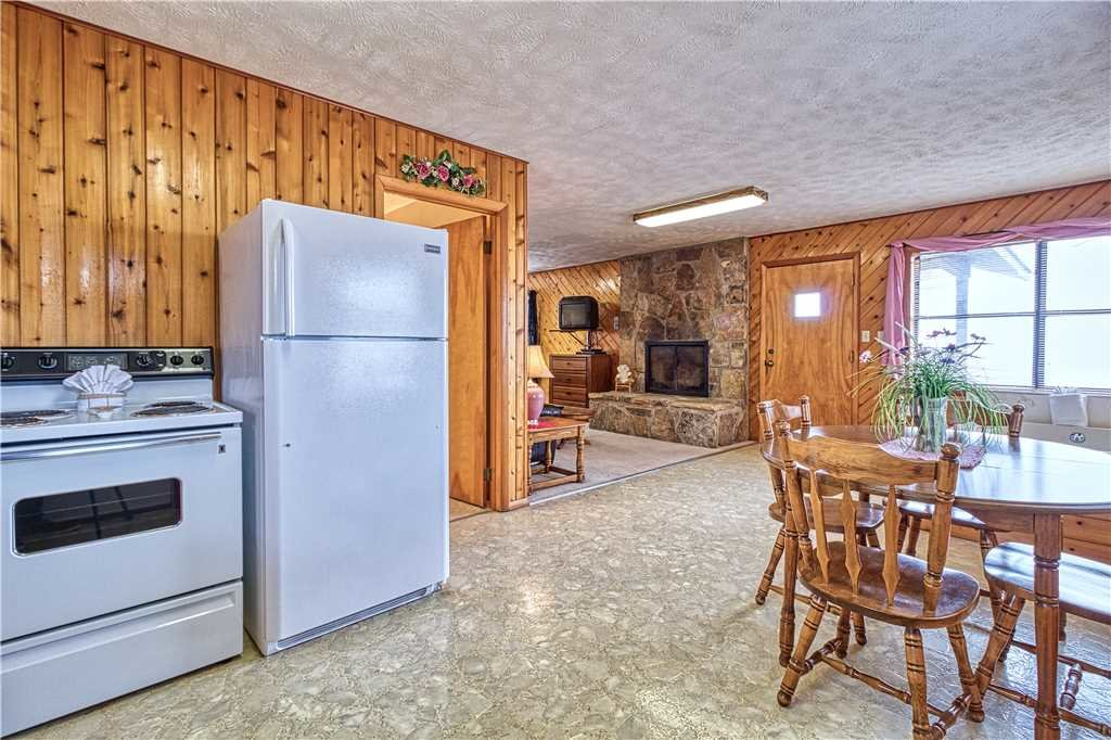 Photo of a Gatlinburg Cabin named Leconte View 2 - This is the sixth photo in the set.