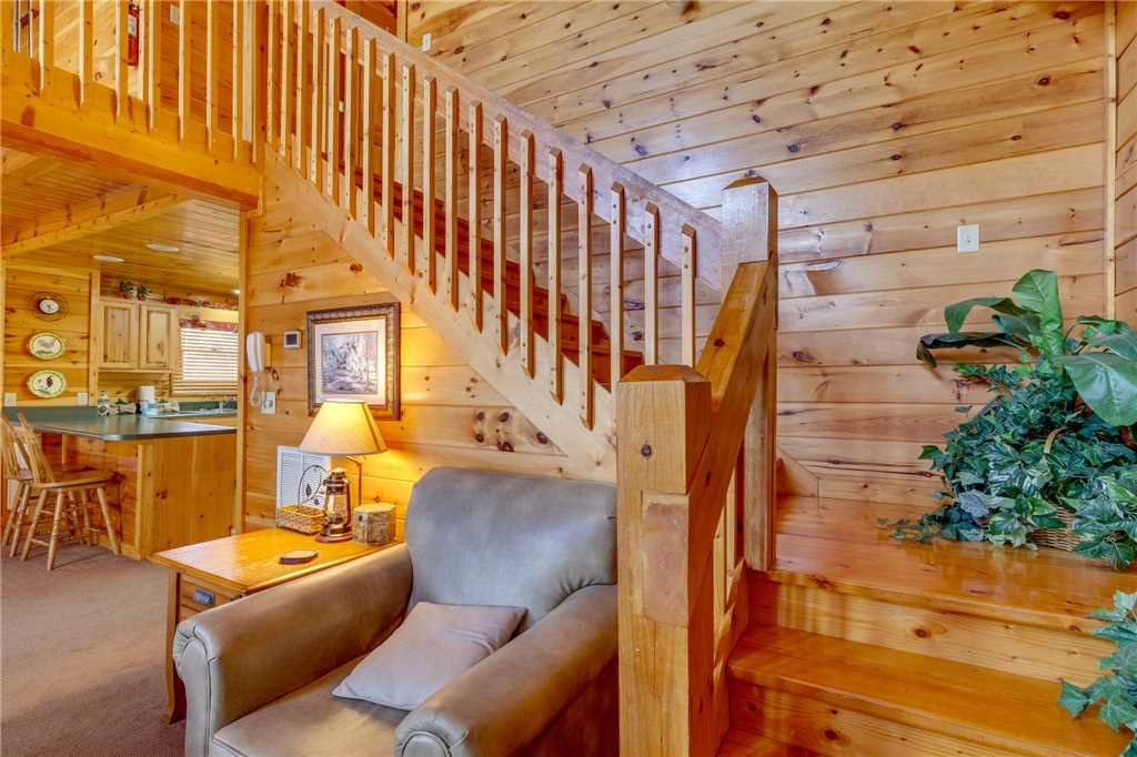 Photo of a Pigeon Forge Cabin named Robin's Rest - This is the twentieth photo in the set.