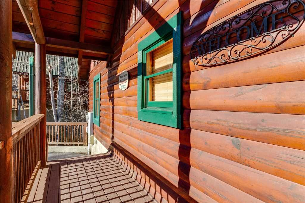 Photo of a Pigeon Forge Cabin named Robin's Rest - This is the fifty-second photo in the set.