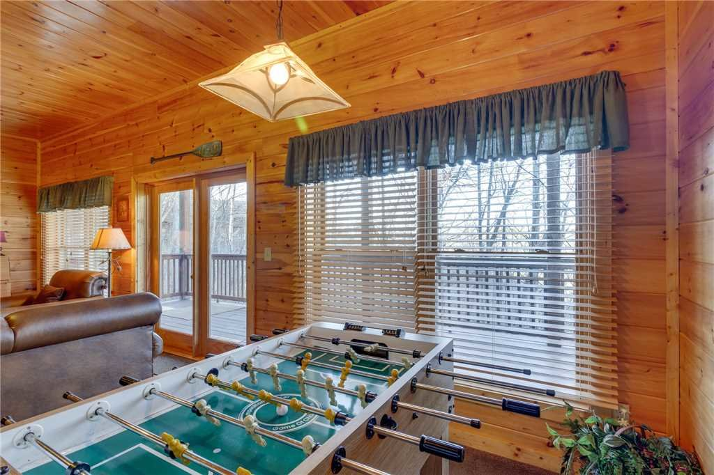 Photo of a Pigeon Forge Cabin named Robin's Rest - This is the fortieth photo in the set.