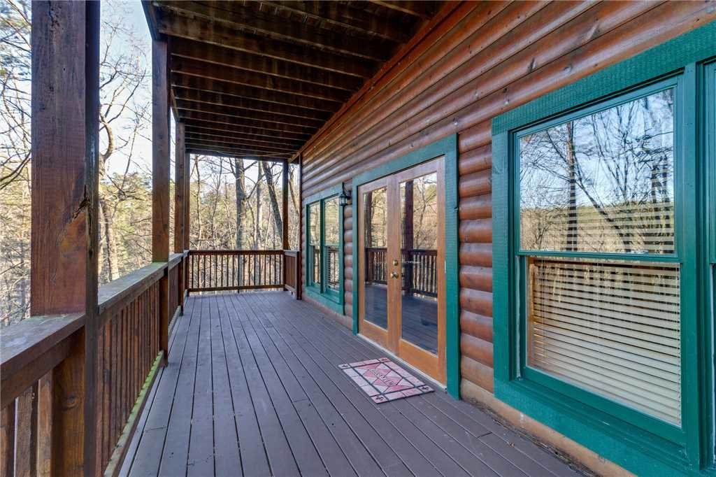 Photo of a Pigeon Forge Cabin named Robin's Rest - This is the forty-sixth photo in the set.