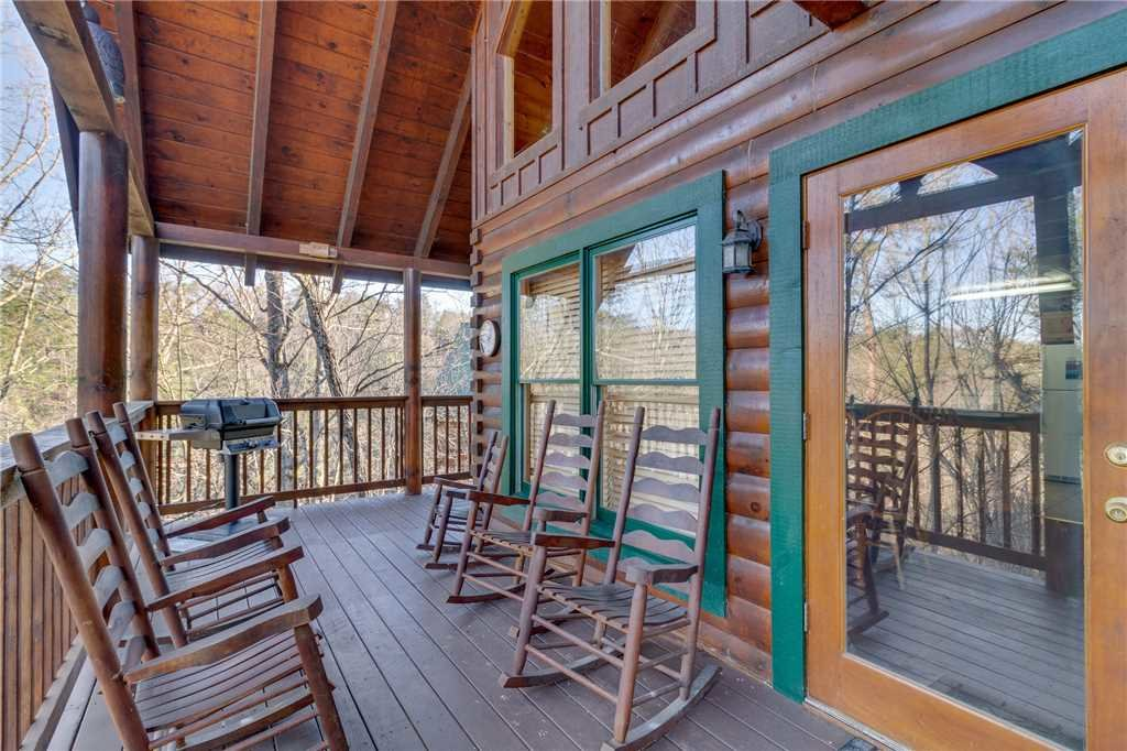 Photo of a Pigeon Forge Cabin named Robin's Rest - This is the thirtieth photo in the set.