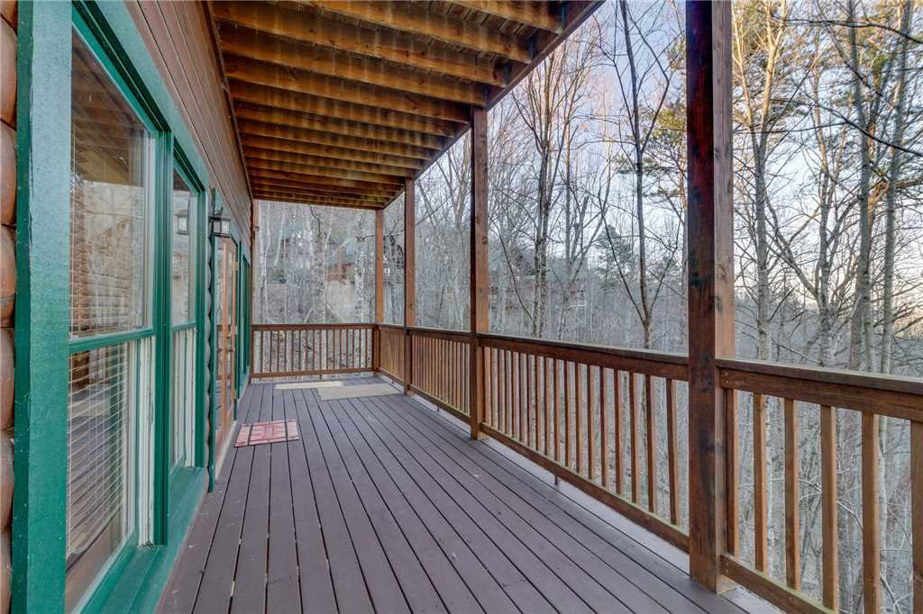 Photo of a Pigeon Forge Cabin named Robin's Rest - This is the forty-seventh photo in the set.