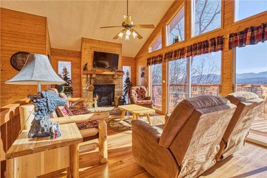 Black Bear Lookout, 2 Bedrooms, Hot Tub, Fireplace, Wifi, Grill, Sleeps 6