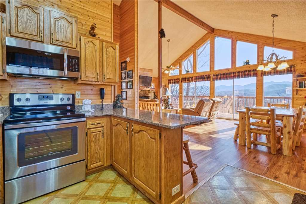 Photo of a Gatlinburg Cabin named Black Bear Lookout - This is the eighth photo in the set.