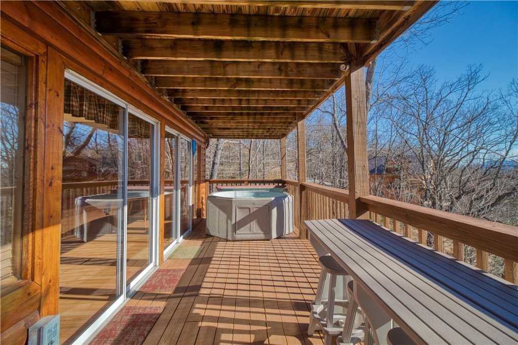 Photo of a Gatlinburg Cabin named Black Bear Lookout - This is the twenty-first photo in the set.