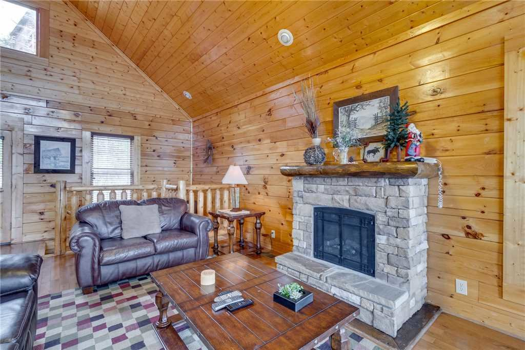 Photo of a Pigeon Forge Cabin named Pleasant View Ridge - This is the fifth photo in the set.