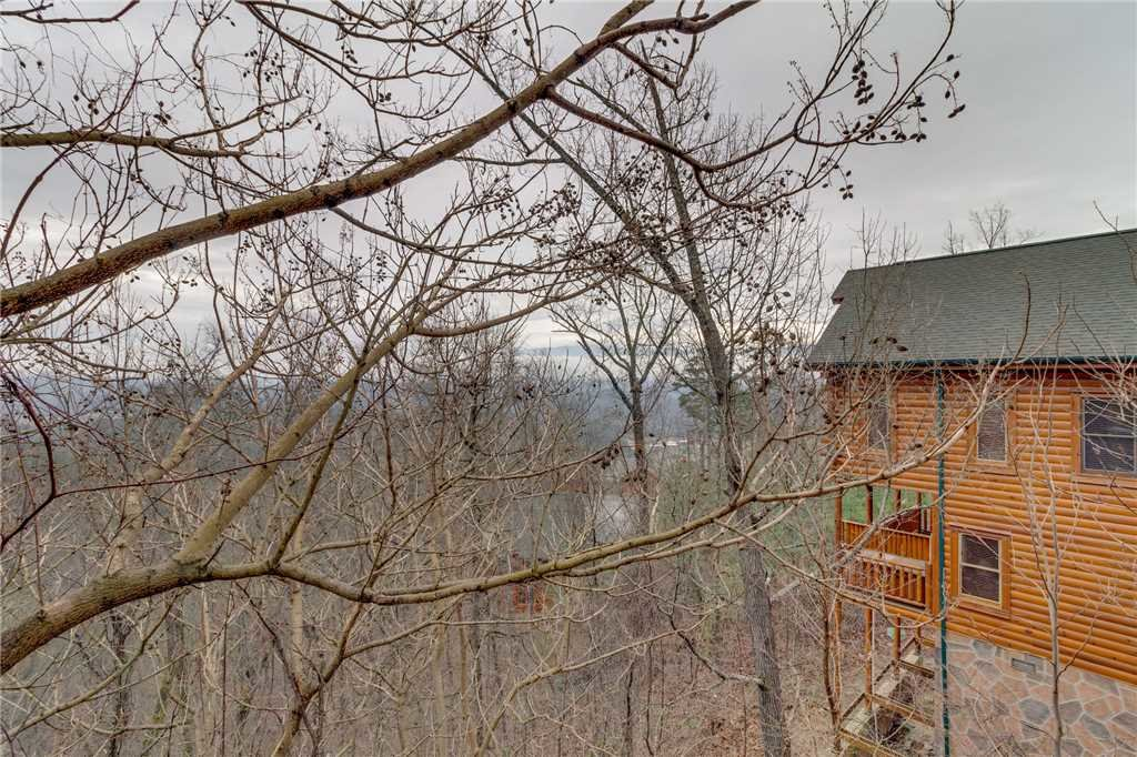 Photo of a Pigeon Forge Cabin named Bearly Believable - This is the seventeenth photo in the set.