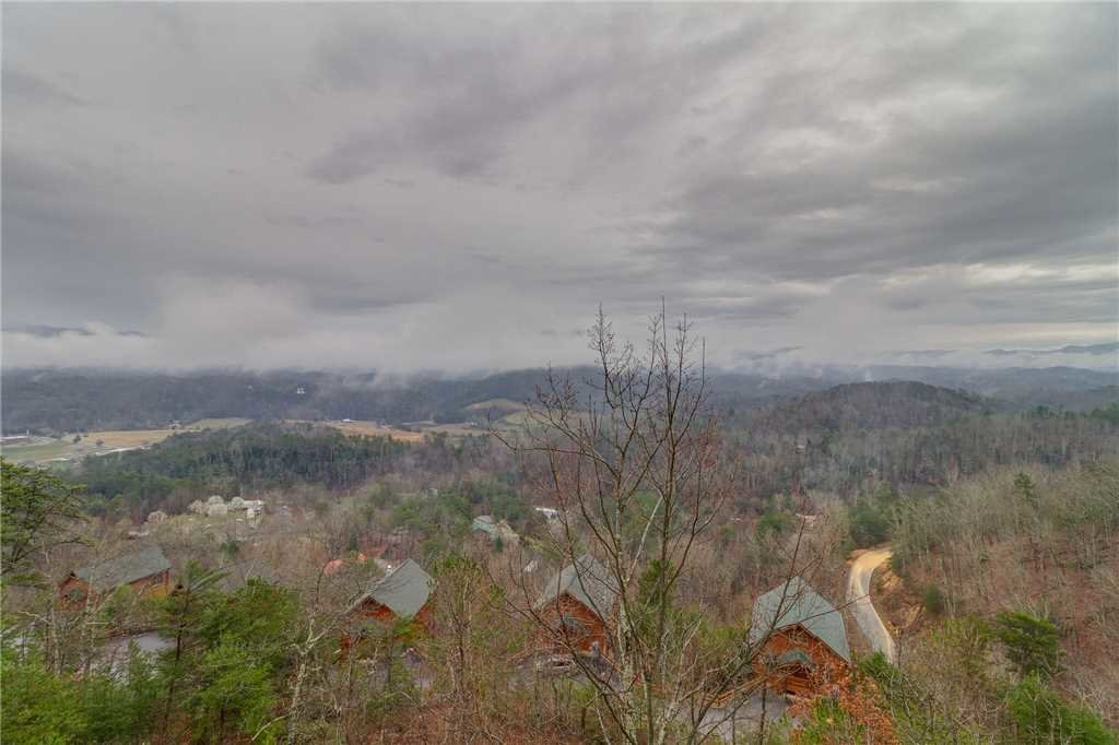 Photo of a Pigeon Forge Cabin named Pleasant View Ridge - This is the twenty-second photo in the set.
