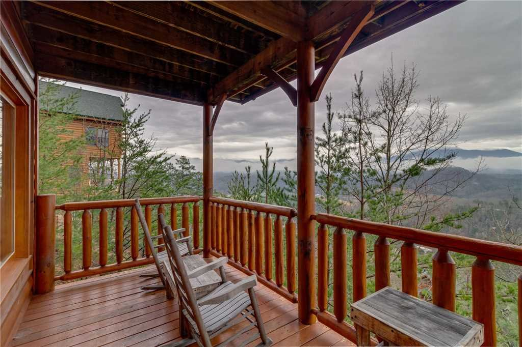 Photo of a Pigeon Forge Cabin named Pleasant View Ridge - This is the fortieth photo in the set.